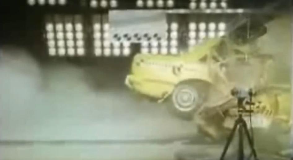 colisão de carro|anuncio_pema