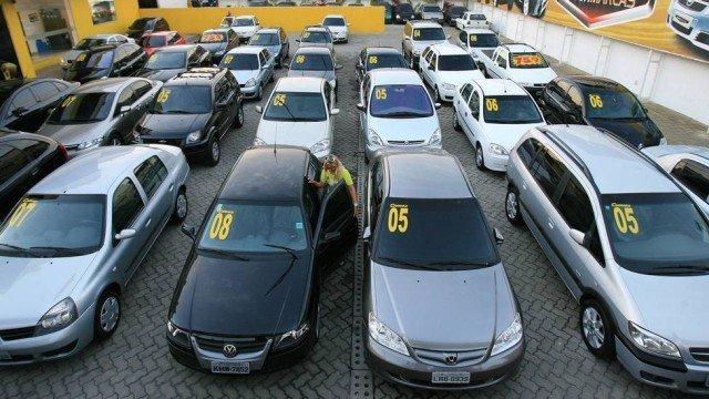 cresce venda de carros usados|Handing over the keys