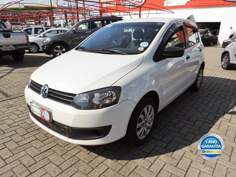 VOLKSWAGEN FOX 1.0 MI 8V FLEX 4P MANUAL 2014