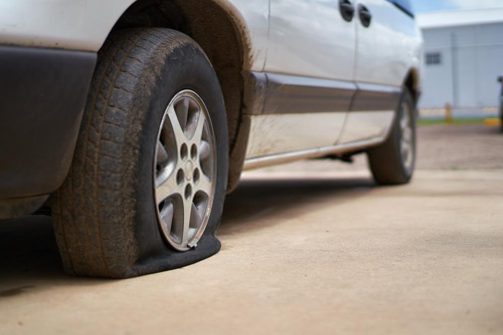 Imagem para ilustrar o texto sobre como trocar o pneu de carro