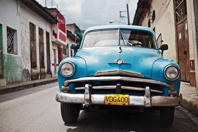 Foto de um carro antigo. Imagem para ilustrar o texto sobre isenção do IPVA